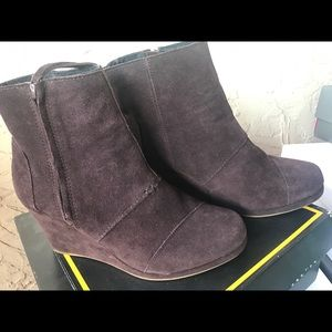 Toms suede wedge boots in chocolate brown